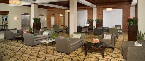 фото Holiday Inn Hotel & Suites Alexandria Historic District 487880481