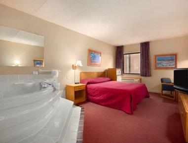 фото Baymont Inn & Suites Muncie 487880927