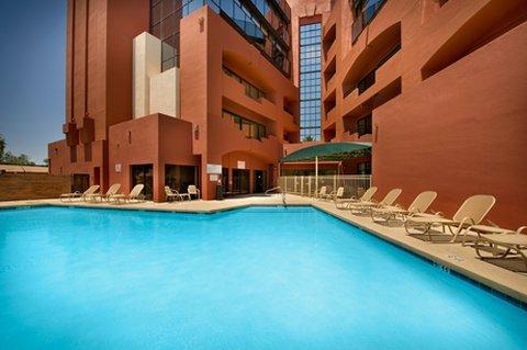 фото Drury Inn & Suites Phoenix Airport 487881340