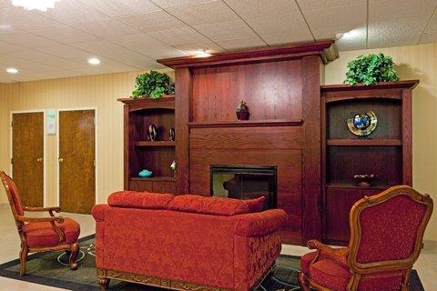 фото Holiday Inn Plattsburgh-Adirondack Area 487881372