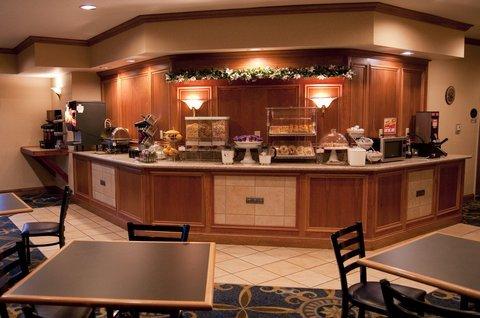 фото Comfort Suites Benton Harbor 487883381