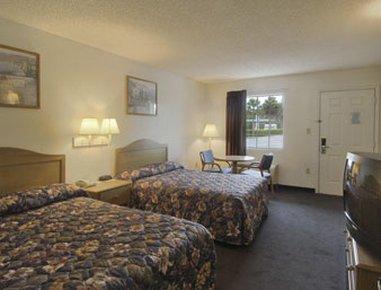 фото Travelodge Suites Macclenny 487886050