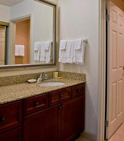 фото Residence Inn by Marriott Rockford 487888104