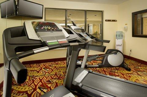 фото Holiday Inn Express Mount Pleasant 487889135