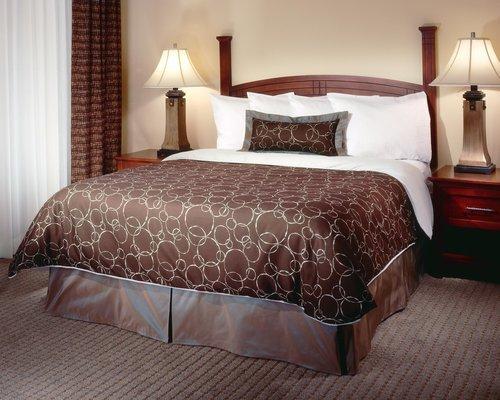 фото Staybridge Suites Akron-Stow-Cuyahoga Falls 487889517