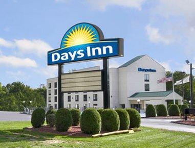 фото Days Inn West Springfield 487889559
