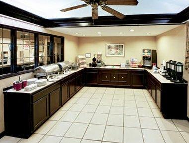 фото Hawthorn Suites Dayton North 487893061