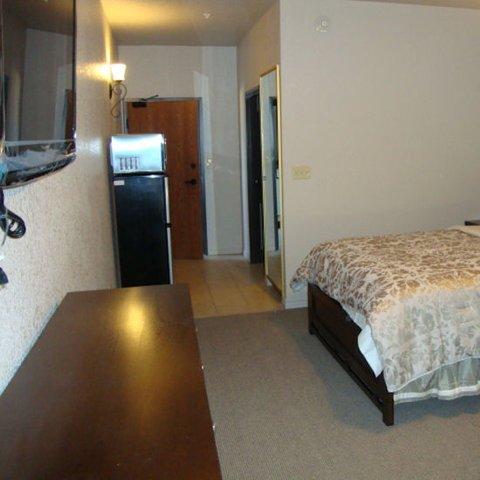 фото Roomy Suites 487894147