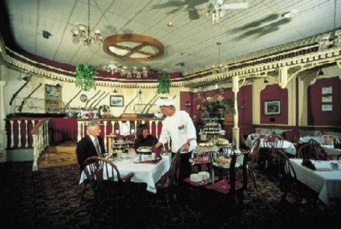 фото Lafayette Hotel Marietta 487894712