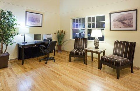 фото Crossings Inn And Suites 487895630
