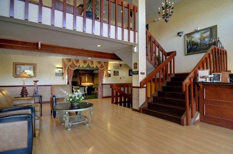 фото Best Western PLUS Oakbrook Inn 487898645