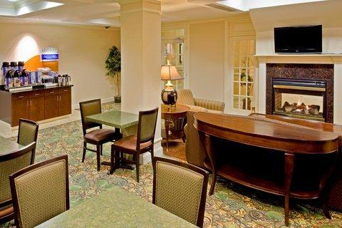 фото Holiday Inn Express Hotel & Suites Vestal 487899526