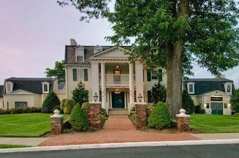 фото Holiday Inn Leesburg at Carradoc Hall 487901913