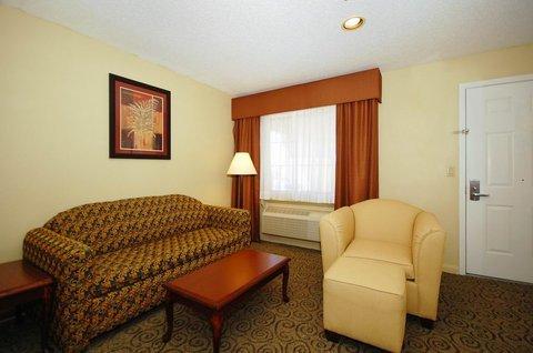 фото Best Western Deer Park Inn and Suites 487905417