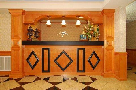 фото Vista Inn & Suites Warner Robins 487905978