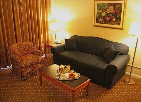 фото DoubleTree Suites by Hilton Mount Laurel 487906492