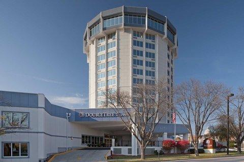 фото DoubleTree by Hilton Jefferson City 487907163