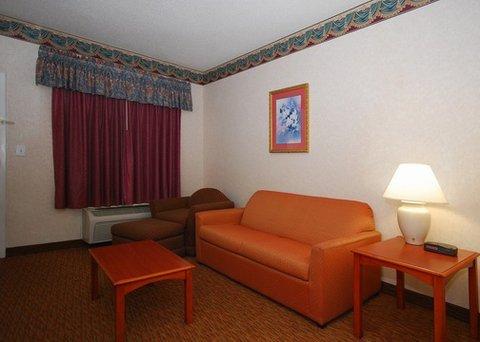 фото Quality Inn & Suites Orangeburg 487909915
