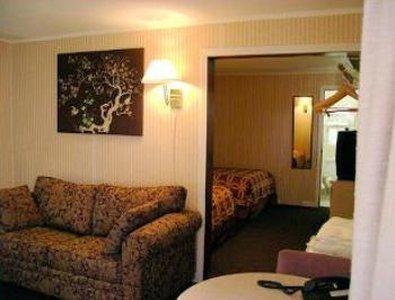 фото Economy Inn & Suites 487910334