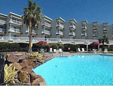 фото Victorian Condo Hotel Resort 487912770
