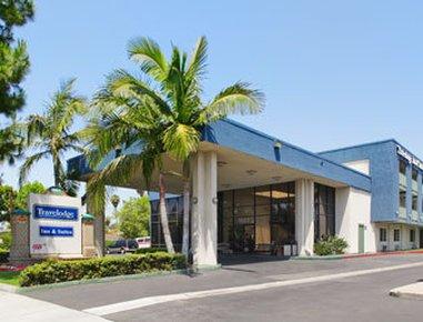 фото Travelodge Inn and Suites Anaheim 487915507