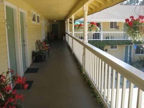 фото Creekside Inn 487918711