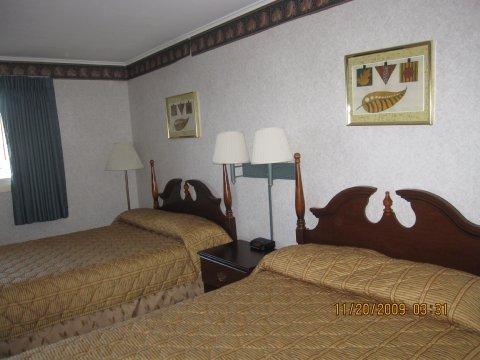 фото Wilbraham Inn 487918949