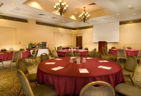 фото Drury Inn & Suites West Des Moines 487919721