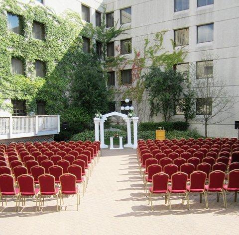 фото Radisson Paper Valley Hotel 487920537