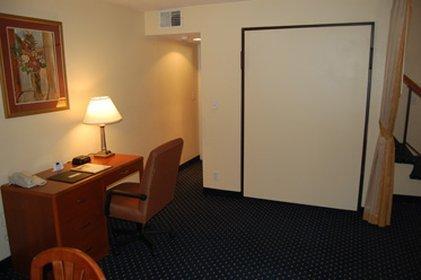 фото Gatehouse Suites Grand Rapids 487922630