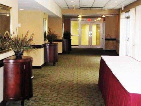 фото Jameson Inn Hotel & Conference Center 487924749