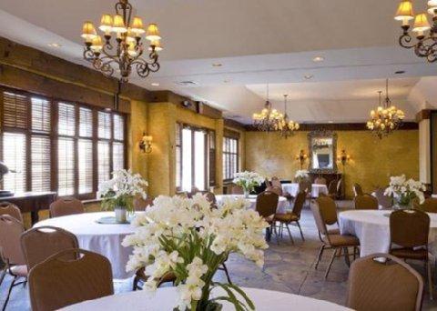 фото Quality Inn & Suites Maison St. Charles 487925088