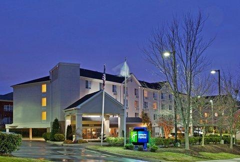 фото Holiday Inn Express Chapel Hill 487925932