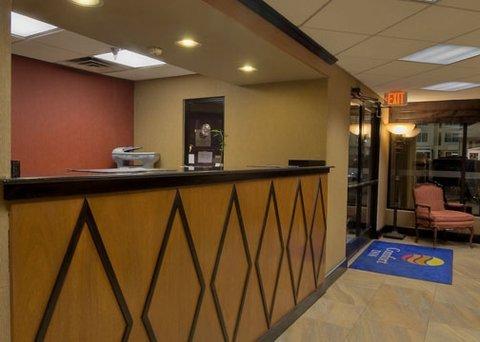 фото Rodeway Inn & Suites North 487927472