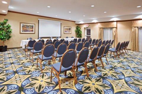 фото Holiday Inn Express Auburn Hills 487931662