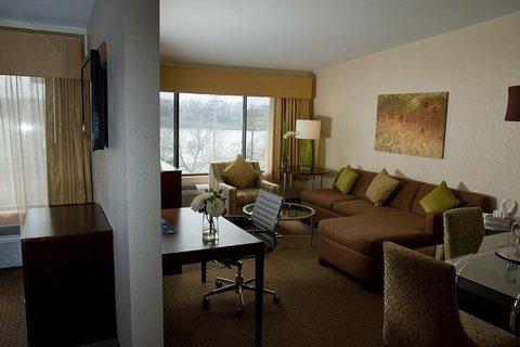 фото Best Western Plus Antioch Hotel & Suites 487937126