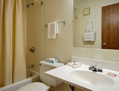 фото Super 8 Bridgeton Arpt St Louis Area Hotel 487941229