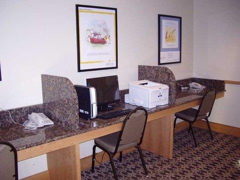 фото La Quinta Inn & Suites Saint George 487941554