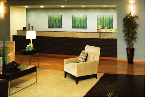 фото La Quinta Inn & Suites Paris 487941562