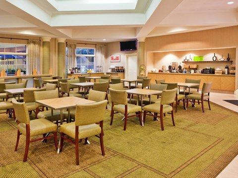фото La Quinta Inn & Suites Atlanta Alpharetta 487942879