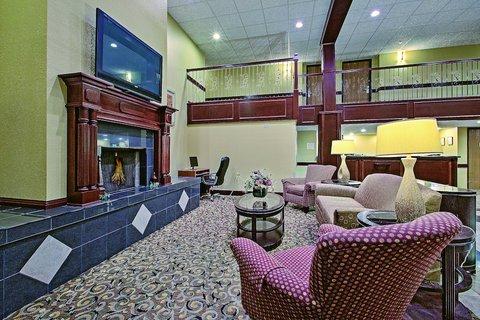 фото La Quinta Inn & Suites Fort Wayne 487943180