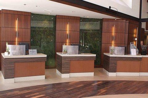 фото Embassy Suites Detroit Metro Airport 487943522
