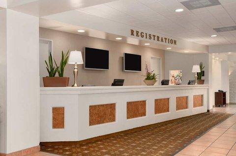 фото Embassy Suites San Luis Obispo 487946565