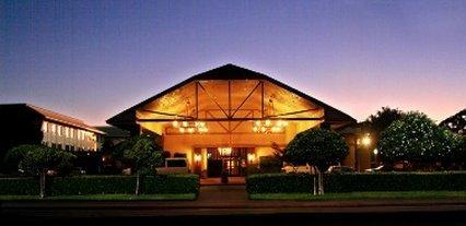 фото University Square Hotel 487948616