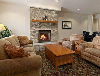 фото Travelodge & Suites Fargo Moorhead 487949199