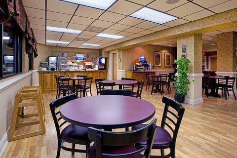 фото Holiday Inn Express Charleston-Moncks Corner 487949469