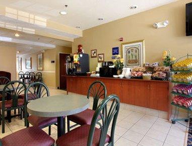 фото Microtel Inn & Suites Leesburg Hotel 487950379