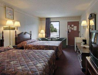 фото Rodeway Inn Dalton 487952415