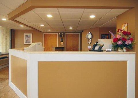 фото Econo Lodge Inn & Suites Fort Rucker 487954356