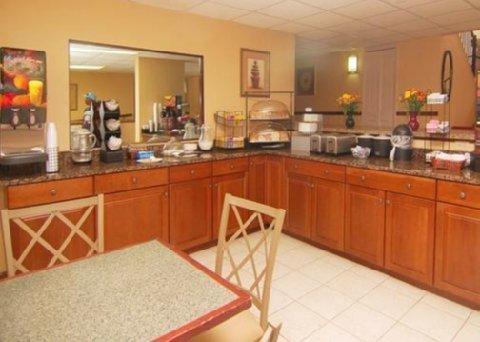фото Comfort Inn & Suites Leeds 487955699